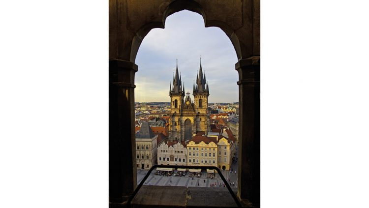 PRAGUE AND THE PRAGUE ASTRONOMICAL CLOCK