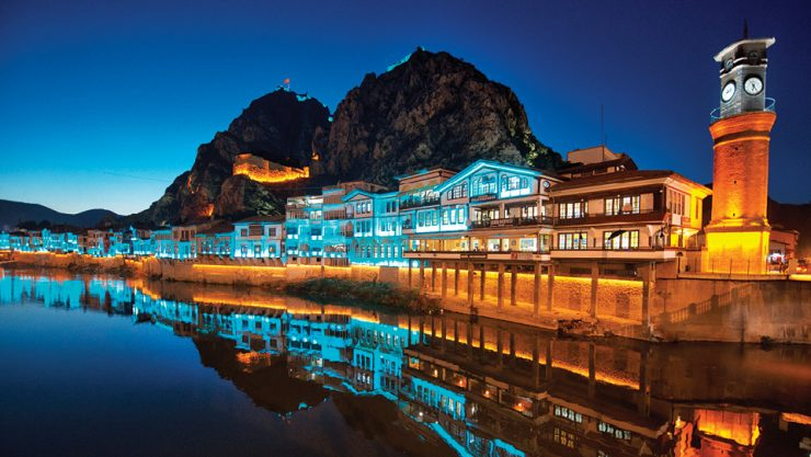 AN ANATOLIAN BEAUTY ALONG THE YEŞİLIRMAK RIVER: AMASYA