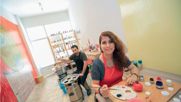 A DIFFERENT THERAPY THROUGH DESIGNING CANDLES