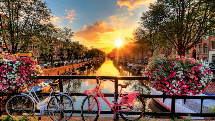 10 BLISSFUL PROMISES OF CITY OF CANALS AMSTERDAM