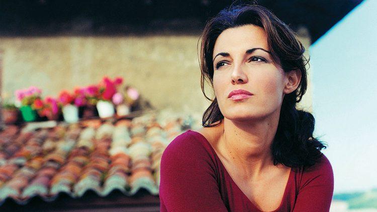 THE VOICE OF LOVE: MONICA MOLINA