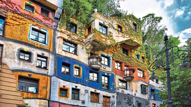 VIENNA AND THE HUNDERTWASSER HOUSE
