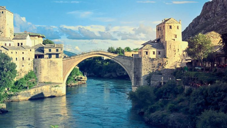 THE BRIDGE FROM THE PAST TO THE FUTURE: MOSTAR
