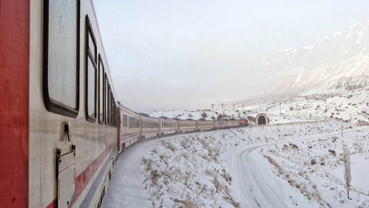 MINISTER ARSLAN INSTRUCTED, THE NUMBER OF CARS OF THE EASTERN EXPRESS WAS INCREASED