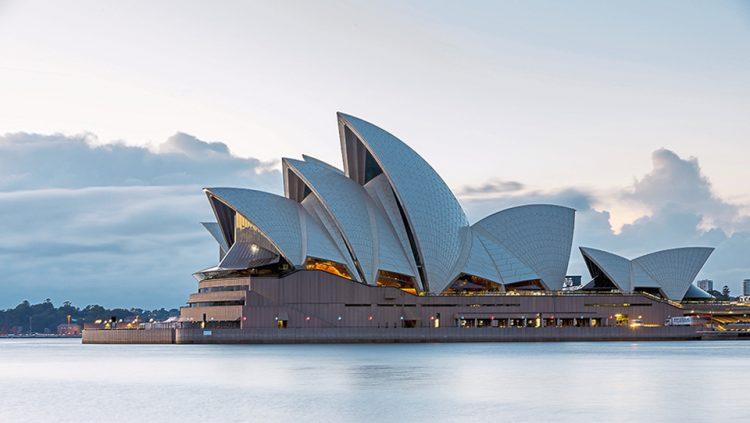 Sidney'in Kartpostallara Taşınan Yüzü: Sidney Opera Binası