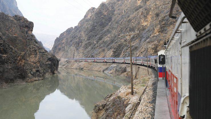 Demiryolu Sevdalılarının Yeni Rotası Vangölü Ekspresi