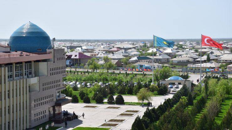 Ahmet Yesevi Üniversitesi TÜRTEP ile Sınırları Kaldırıyor