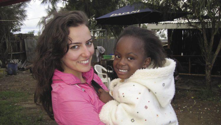 Sosyal Girişimci Dicle Göçmen Kıtalar Arası Mekik Dokuyor